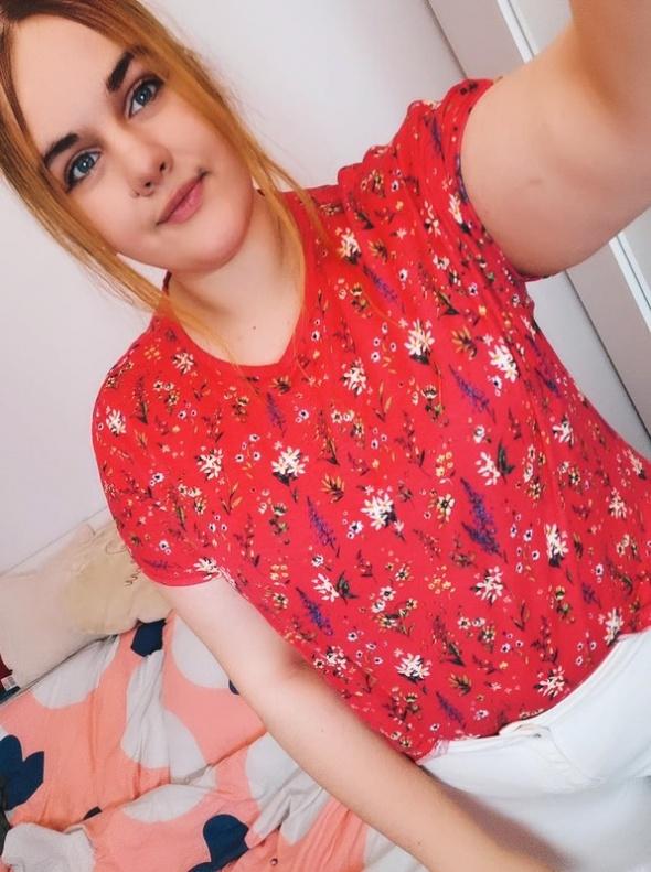 20 48 4XL M&S Plus Size Czerwona bluzeczka w kwiaty...