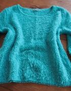 Miętowy zielony włochaty sweter Orsay...