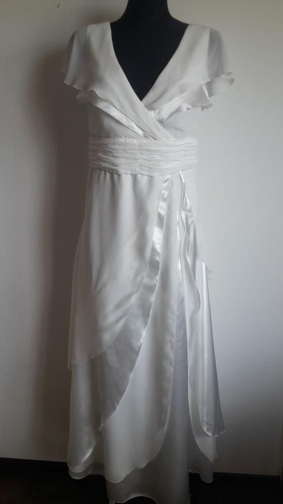 Biała sukienka BPC 40