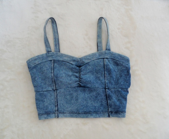Top Modny jeansowy crop top Cubus