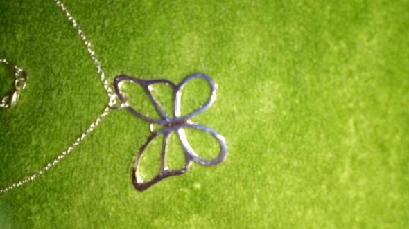 Srebrny łańcuszek z motylem