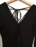Czarna prążkowana sukienka Reserved...