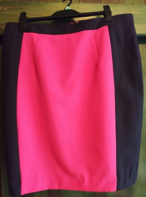 Spódnice Spódnica czarno różowa na poszewce r 44 46