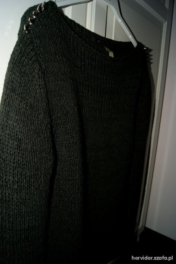 Swetry sweter z ćwiekami