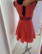 sukienka z zakmiem