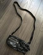 HM nowa śliczna czarna torebka saszetka...