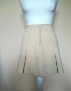 Kremowa spódnica Sisley...