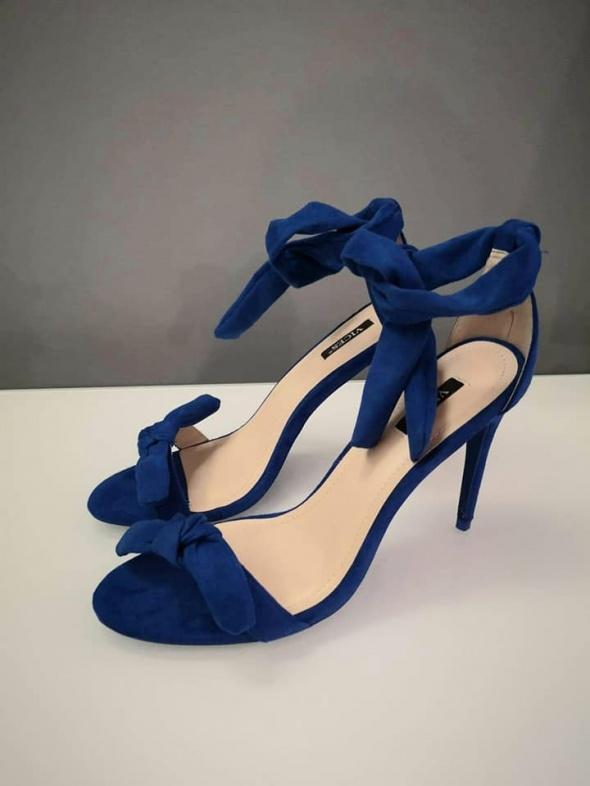 Sandały Deezee kobaltowe zamszowe sandałki 38 nowe