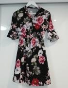 Sukienka w kwiaty s m