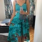 Turkusowa bogato zdobiona sukienka 38
