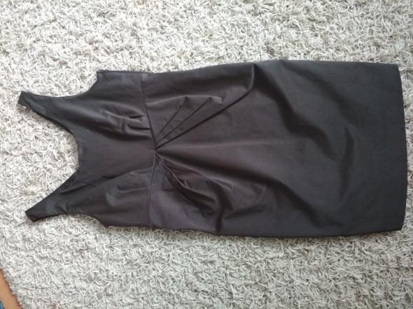 elegancka brązowa sukienka