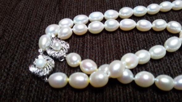 klasyczny ponadczasowy komplet perły w srebrze