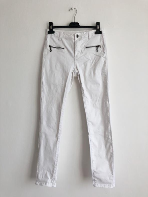 Vila białe spodnie rurki regular waist skinny...