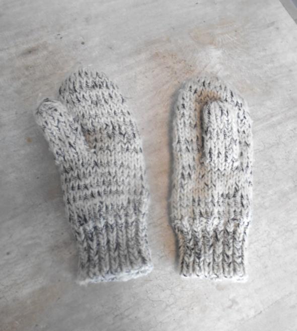 Oysho szare rękawiczki zimowe