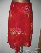 spódnica czerwona w kwiaty...