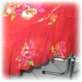 spódnica czerwona w kwiaty