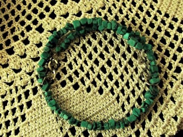 Urocza minimalistyczna bransoletka