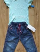 Miętowe body oraz cienkie spodnie jeansy 92...
