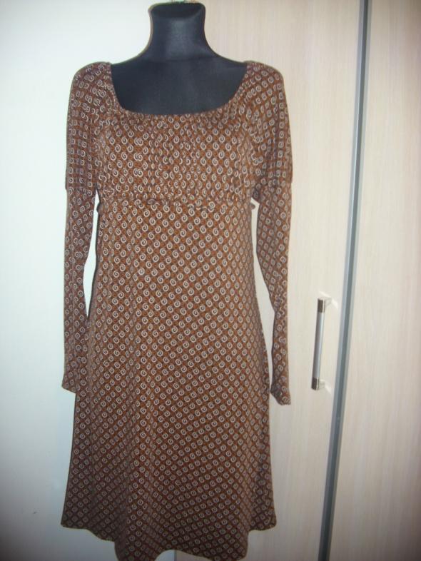 Suknie i sukienki SUKIENKA BRĄZOWA WZORKI S na M