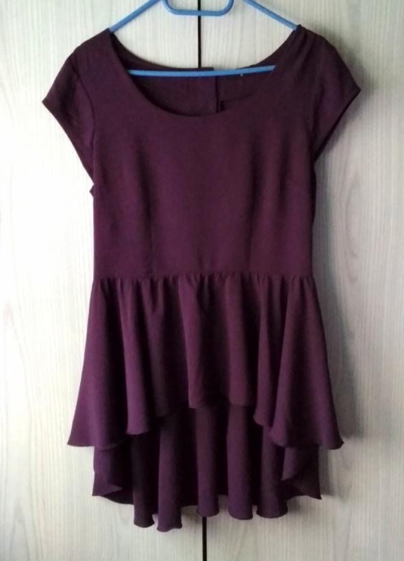 Fioletowa bluzka z falbanką i wycięciem na plecach długi tył Miss Selfridge