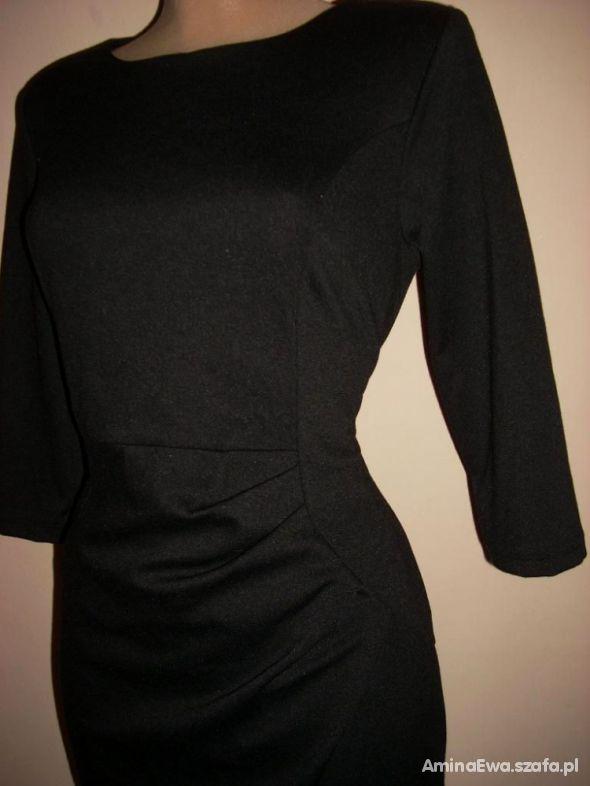 Czarna sukienka PIĘKNA...