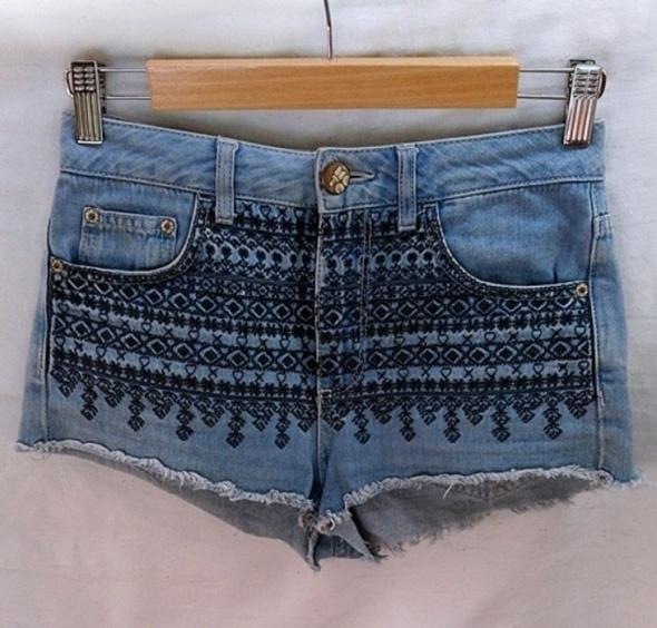 Spodenki spodenki jeansowe w azteckie wzory