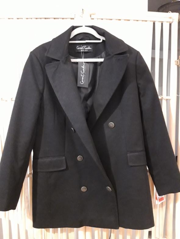 Krótki płaszcz...