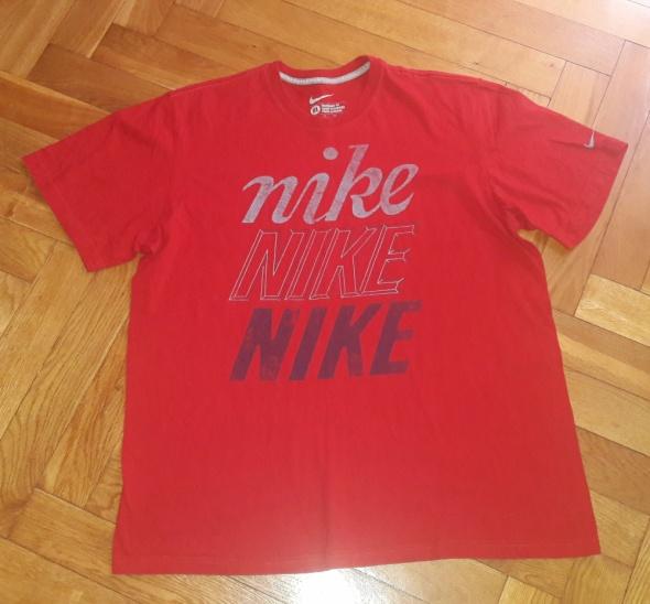 Czerwona koszulka Nike XL