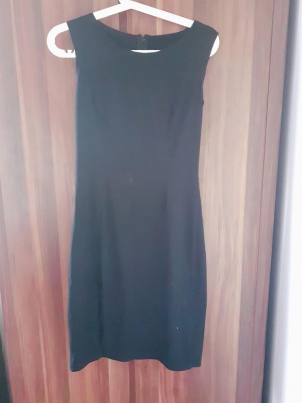 Czarna obcisła sukienka na lato S...