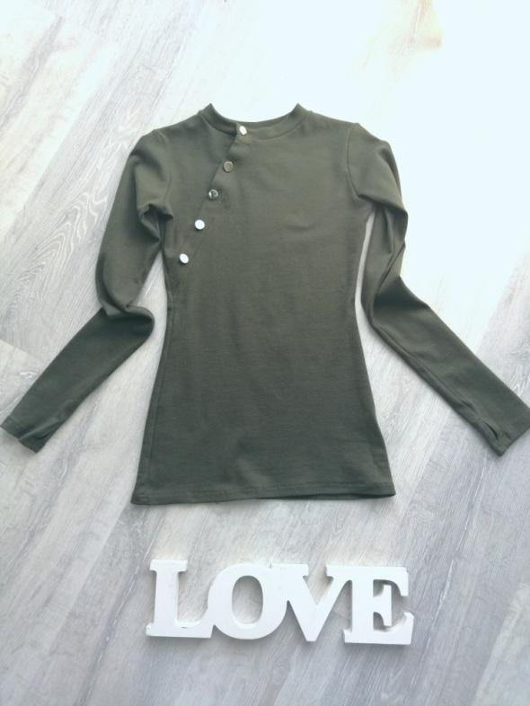 Nowa bluzka khaki z guzikami i miejscem na kciuka półgolf