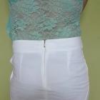 Biała spódniczka z kieszonkami