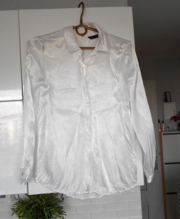 Zara satynowa biała koszula minimalizm w Koszule Szafa.pl