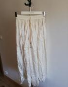 Biała spódnica maxi