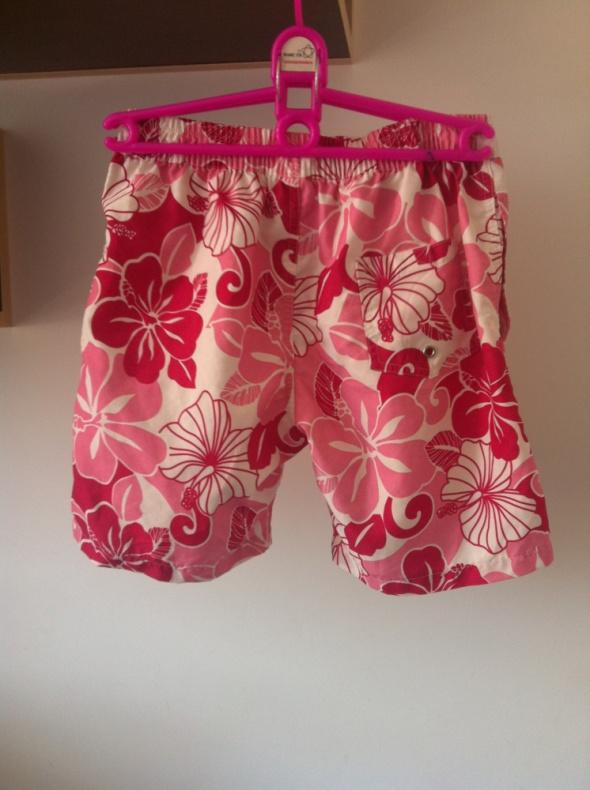 Spodenki Hawajki kwiaty kwiatki różowe rybaczki XS S