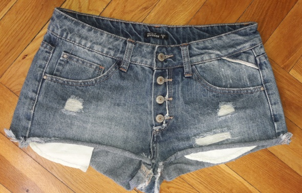 Spodenki Spodenki jeansowe Diverse S przetarcia guziki