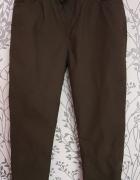 Spodnie chłopięce khaki F&F 140...