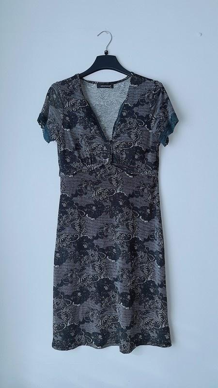 Idealna ciemnoszara sukienka...