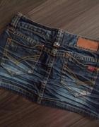 Only genialna jeansowa minióweczka...