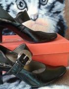 Czane buty z klamerką...