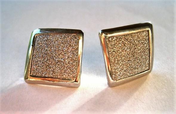 kolczyki kwadraty cekiny srebrne połyskujące