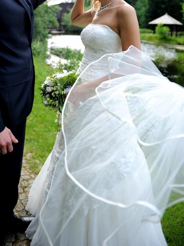 Suknia ślubna rozmiar 38 i GRATISY welon bolerko