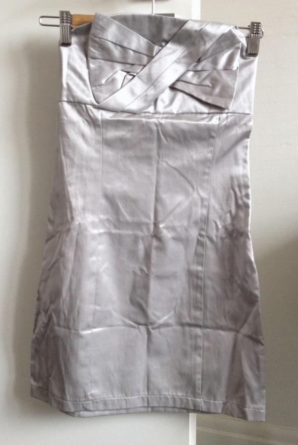 Suknie i sukienki JAPAN STYLE sukienka srebrna dopasowana mini bez ramiączek rozm XXS 32 NOWA