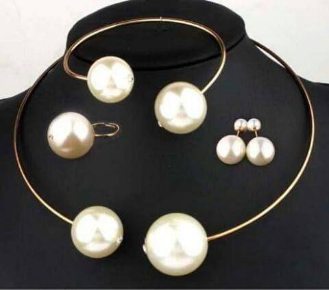 Zestaw biżuterii 4 części super perły