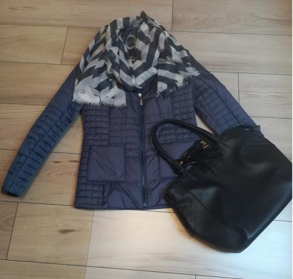 Nowa niebieska pikowana kurtka na wiosnę...