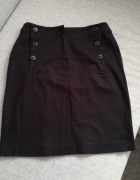 Klasyczna czarna spódnica...