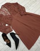 ZARA koronkowa sukienka z plisowanym dołem S...