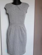 Promod śliczna czarno biała sukienka z kieszeniami...