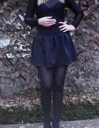 czarna rozkloszowana spódniczka S...