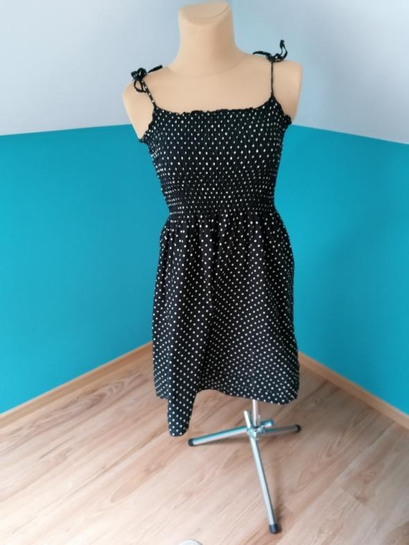 Suknie i sukienki W kropeczki H&M