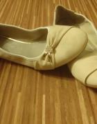 Beżowe balerinki...